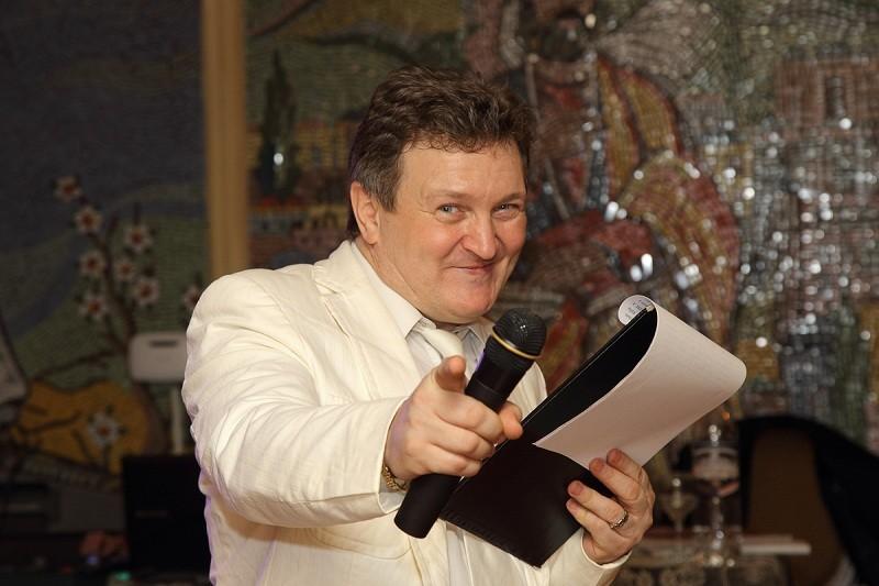 Андрей Белов